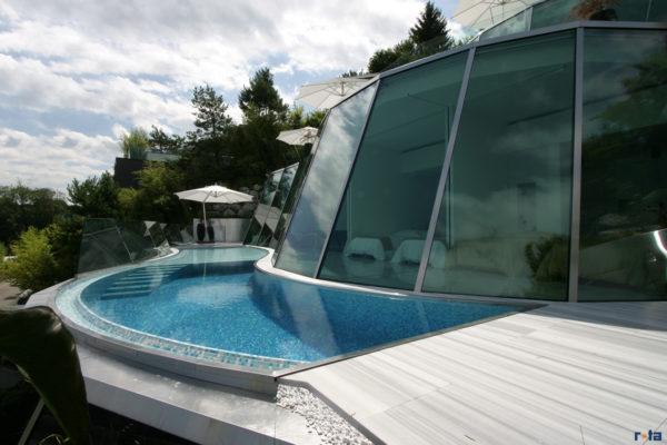 Rota AG Plattenbeläge Pool Sauna